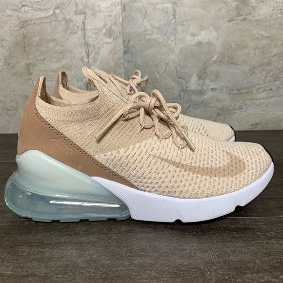 check out 86437 e2df8 Nike Air Max 270 Flyknit Size 7 Womens Running NWT